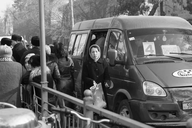 Khujand woman grey-white