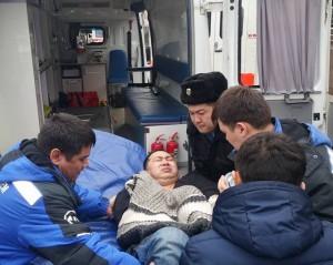 Активист Ермек Нарымбаев нуждается в срочной медицинской помощи во время судебного разбирательства по его делу.